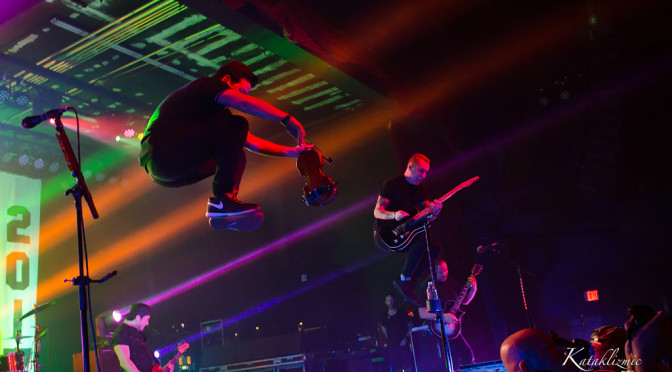 REVIEW: Adrenalized Yellowcard Farewell Show Leaves an Impression on Arizona 3-22-17