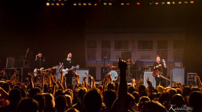 REVIEW: Bayside Co-Headlining Show Has Low Vacancy at Marquee Theatre 4-21-17