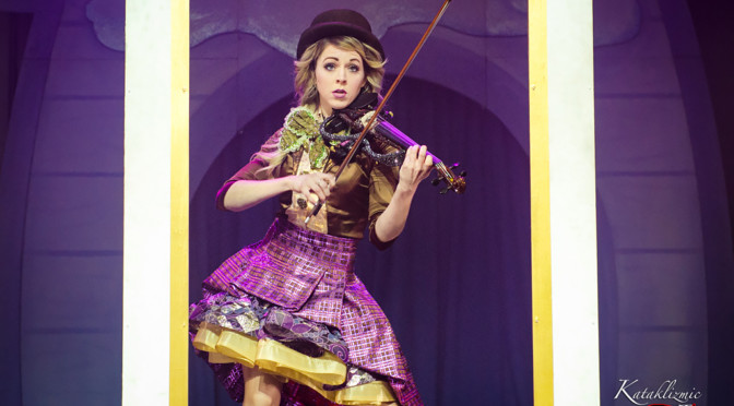 "REVIEW: Lindsey Stirling Spreads Christmas Cheer with ""Warmer in the Winter"" Tour Finale in Phoenix 12-23-17"